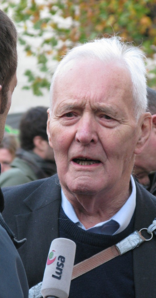 Tony Benn, interviewed, whilst supporting the Occupy movement outside London's St Paul's Cathedral in November 2011  (© London Intelligence)