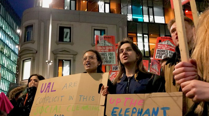 Residents, traders and students continue to oppose Delancey/Southwark Council plans for the Elephant & Castle Shopping Centre (© London Intelligence)